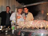 מימין: עושה הבשר, עושה הברזל ושושה עיניים למישהי